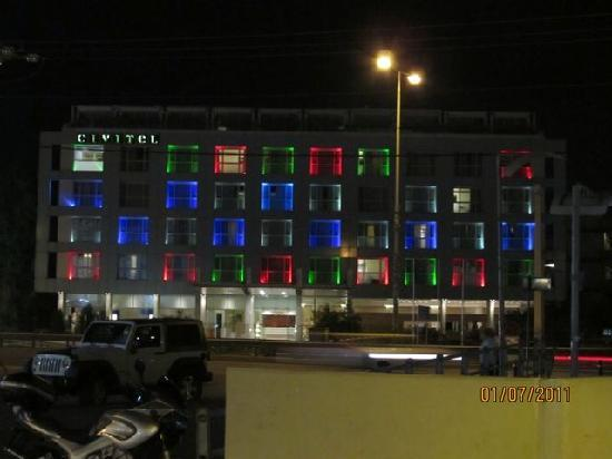 Civitel Olympic Hotel: Magic at night as well