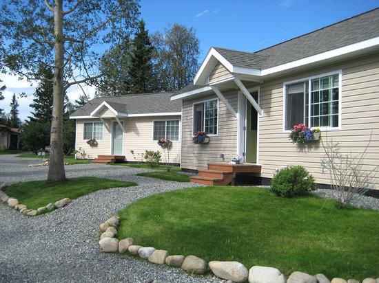Alaska Garden Gate B & B: Choose a Guest or Luxury Cottage