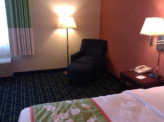 Fairfield Inn Burlington Williston : Sitting Chair