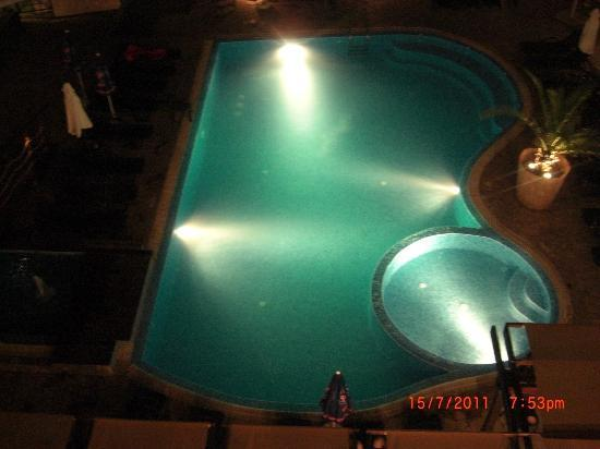 LION Hotel Sunny Beach: large pool at night lion hotel