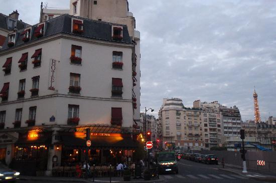 Eiffel Kennedy Hotel Paris Reviews