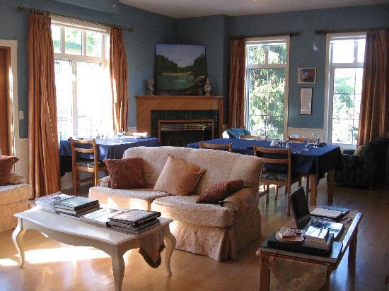 Courthouse Inn Revelstoke: Dining room area