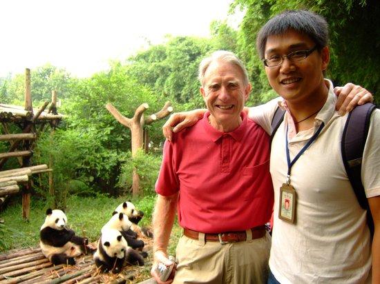 China Odyssey Tours-Day Tour : chengdu with pandas