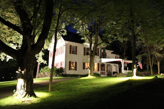 The Wilmington Inn & Tavern: The restaurant at night