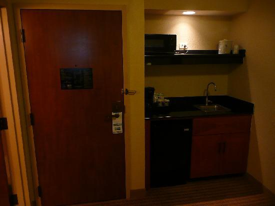 Holiday Inn Express Hotel & Suites-DFW North: Mini kitchen with fridge and microwave