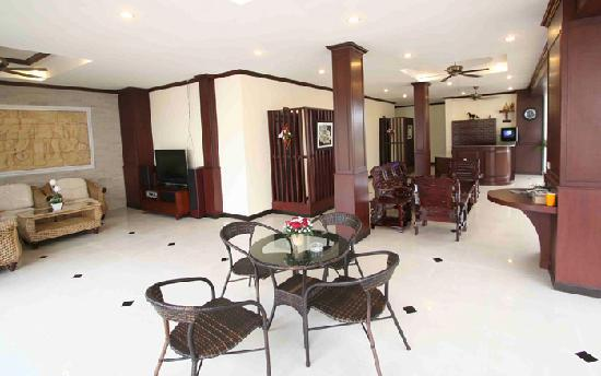Patong Suite Home : lobby