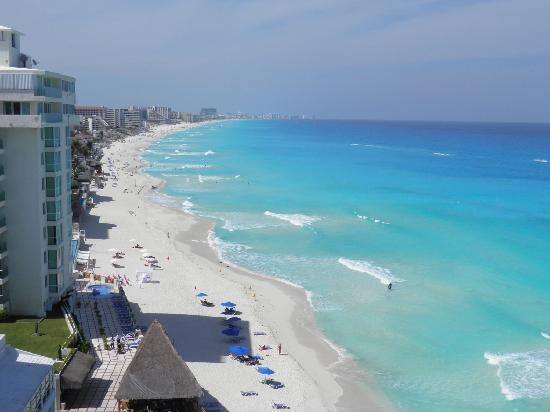 Oleo Cancun Playa: amazing view from our balcony