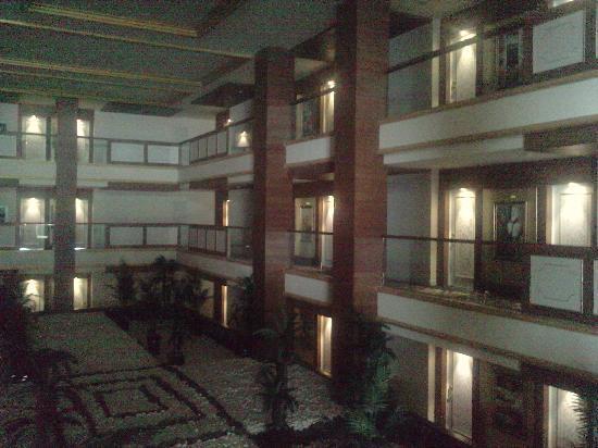 Crystal Palace Luxury Resort & Spa: Rommene