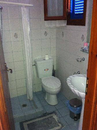 Daskalio Rooms: Bathroom