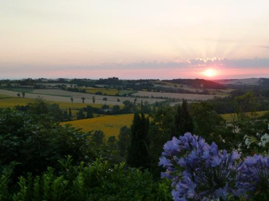 Cuq Toulza, France : Sunset seen from our dinner table