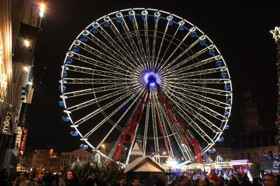 Grande place : à Noël venez faire un tour sur la grande roue !