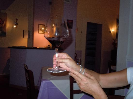 Al Covo Dell'Arte: Sus copas de vino tinto esta a la altura de su bodega