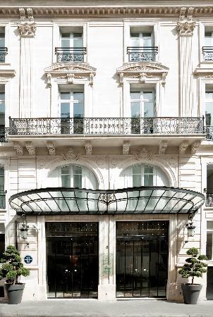 ソフィテル シャンゼリゼ パリ