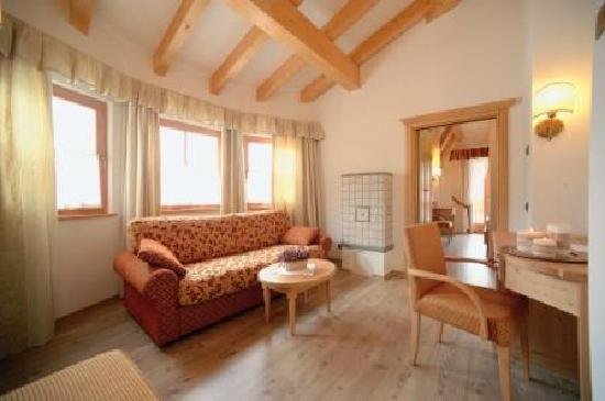Hotel Ambiez Family & Wellness: Una delle nostre accoglienti stanze