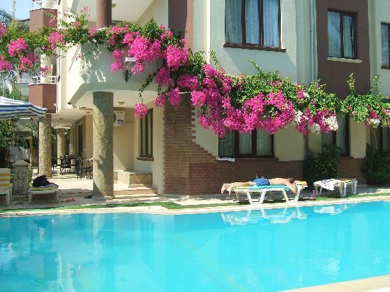 Myra Apart Hotel: One of the lovley pools