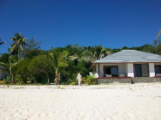 Hotel Paradis D'Ouvea: les bungalows sont vraiment sur la plage