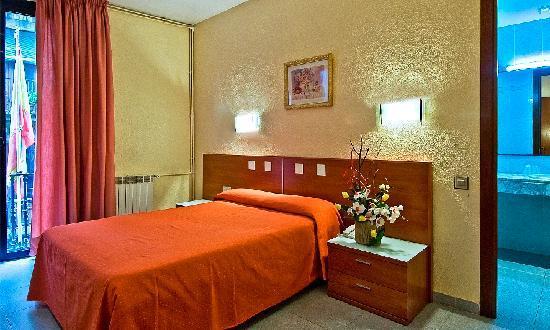 โรงแรมอาเนโต้