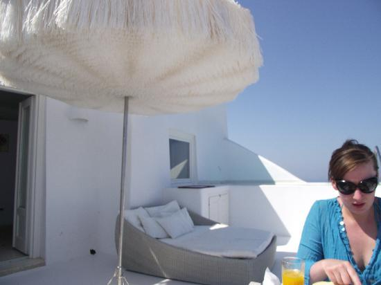 White Santorini Suites & SPA: Terrace of Pearl Honeymoon Suite