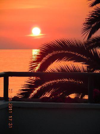 Possidi Holidays Resort & Suites Hotel: beautiful sunsets