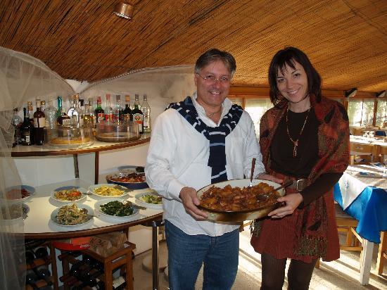 Tropical Ristorante Tipico: al ristorante Tropical con il proprietario Leo La Rocca