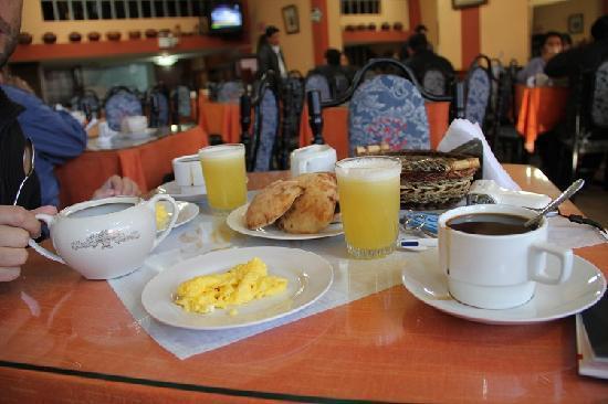 Sol de Oro: breakfast