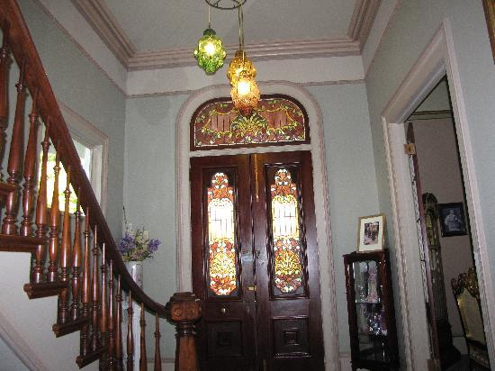The McClelland-Priest Bed & Breakfast Inn: Beautiful stairs