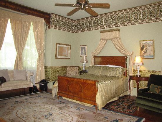 The McClelland-Priest Bed & Breakfast Inn: Our Room
