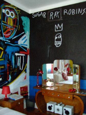 Artbeat Rooms: Basquiat room