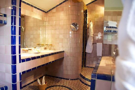 Auberge de Noves : Bathroom detail