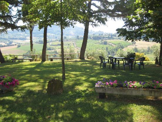 Agriturismo Villa Mazzi: View of Montepulciano from Villa Mazzi
