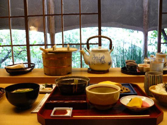 Shiraume: El desayuno.