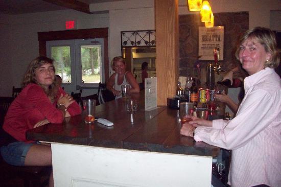 Pine Lodge Inn: Your friendly hosts Paul & Connie