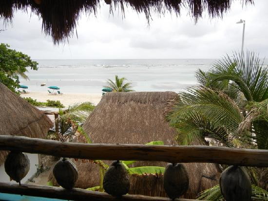 Nacional Beach Club & Bungalows: View of the beach from our balcony