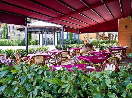 Hotel Residence San Gregorio: esterno ristorante hotel