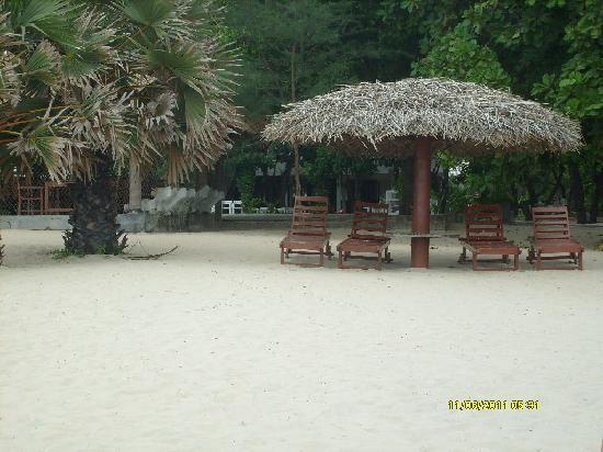 Nilaveli Beach Hotel: spiaggia