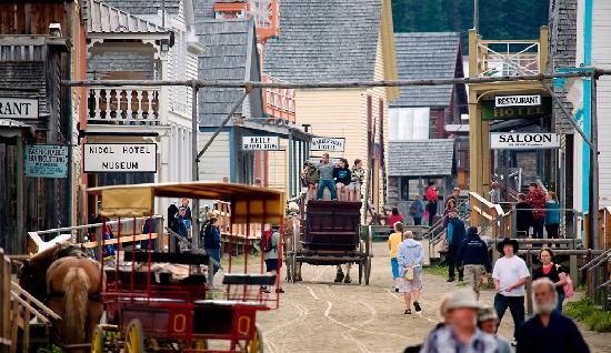 West Coast Nature Day Tours: Barkerville Main Street