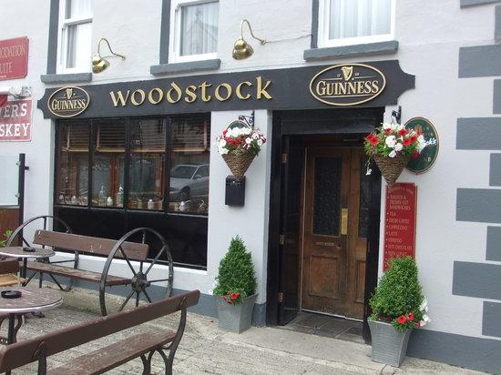 Woodstock Arms Bed & Breakfast Bar