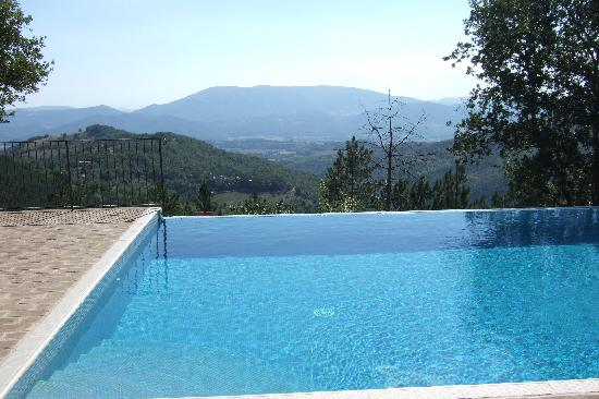 La Cuccagna: Pool with a view!