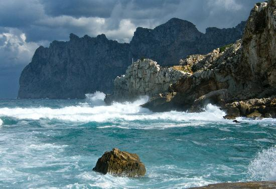 SENTIDO Don Pedro: Stormy Autumn day in Cala St. Vincent