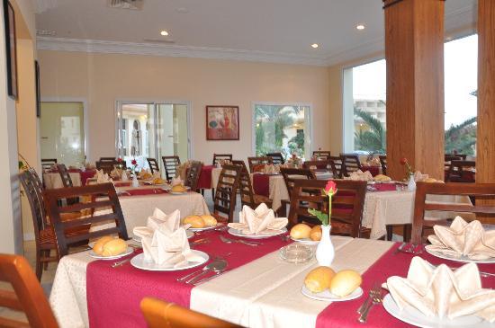 Marina Palace: Resto