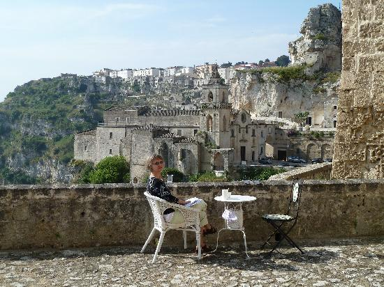 Breakfast on terrace foto di agora nei sassi matera for Breakfast terrace