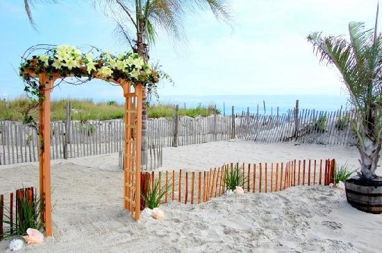 Sea Shell Resort and Beach Club: Oceanfront Wedding