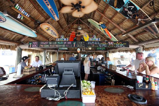 Sea Shell Resort and Beach Club: Tiki Bar