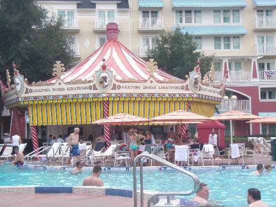 The Fountain Picture Of Disney S Boardwalk Villas