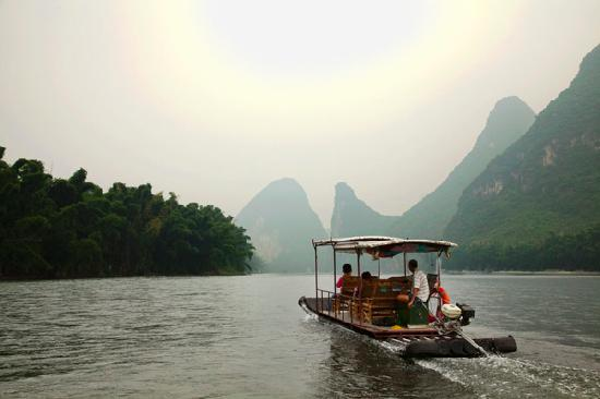 Округ Яншо, Китай: Li River near Yangshuo