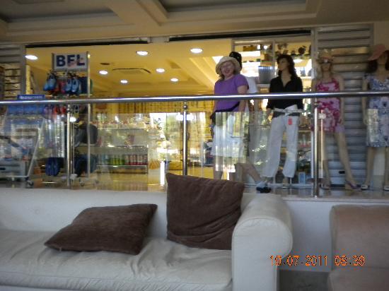 Ialyssos Bay Hotel Suneo Club: shop