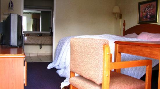 Red Carpet Inn: Das Zimmer urgemütlich
