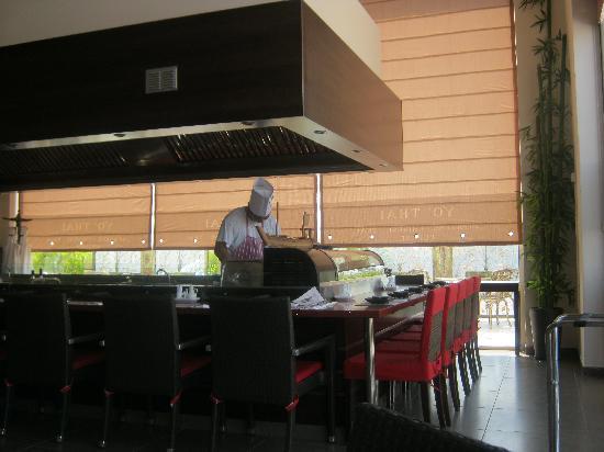 Yo' Thai Asian Restaurant : Restaurant