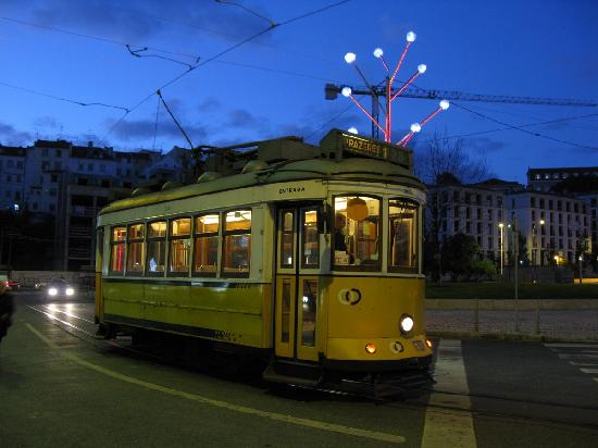 Tram 28 at night