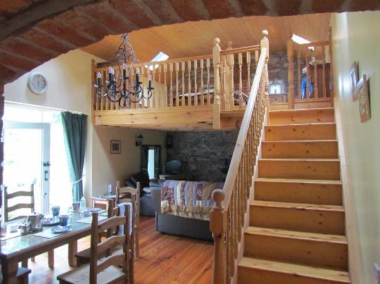 Balrath Courtyard: Living Room